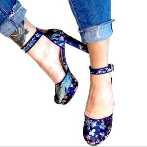 Navy blue Clovers & Floral Embroidered Platforms